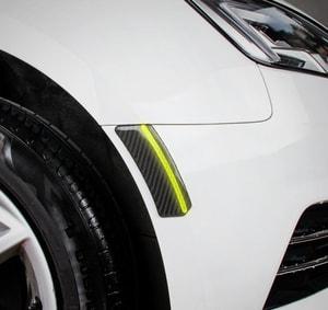 Miếng chống va đập carbon cao cấp có viền phản quang dán lông mày xe ô tô ms-285
