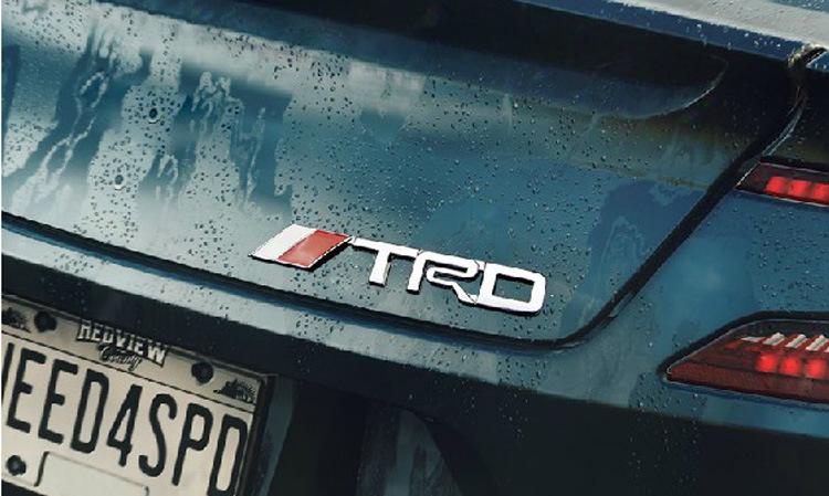 Decal tem chữ nổi kim loại TRD dán trang trí ô tô