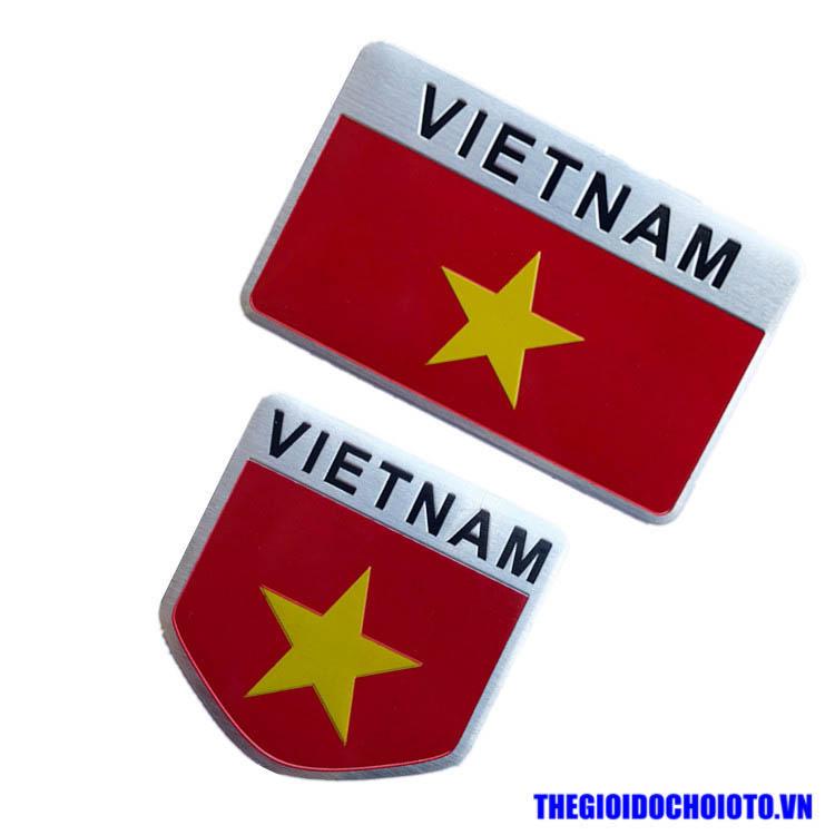 Logo kim loại cờ Việt Nam 3D dán xe ô tô