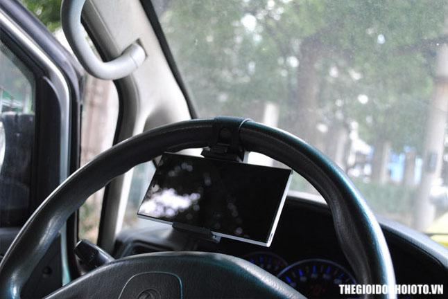 Giá đỡ điện thoại gắn vô lăng ô tô