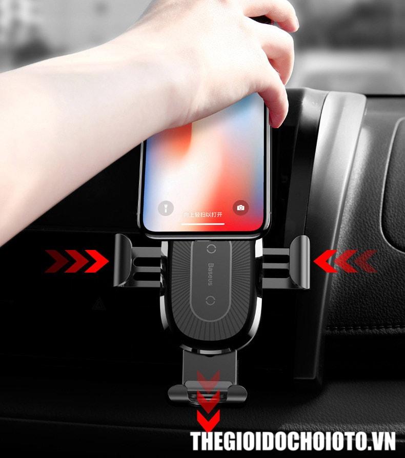 Giá đỡ điện thoại kẹp cửa gió ô tô BASEUS kiêm sạc không dây
