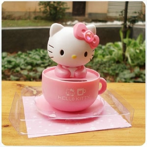http://thegioidochoioto.vn/upload/images/sanpham/nuoc-hoa-o-to/meo-hello-kitty-nang-luong-mat-troi/meo-hello-kitty-nang-luong-mat-troi-5-sm.jpg