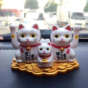Bộ 3 mèo thần tài may mắn vẫy tay năng lượng mặt trời (mẫu2)