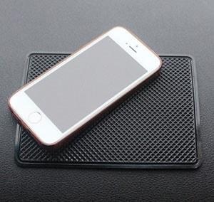 Miếng dán điện thoại, để đồ chống trượt trên ô tô (mẫu 15cm x 11cm )
