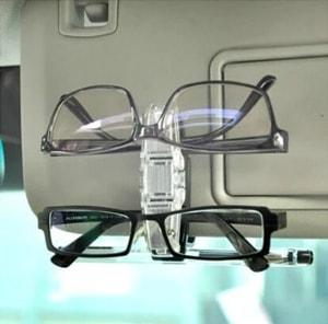 Kẹp kính mắt gắn tấm chắn nắng ô tô trong suốt xoay 180 độ ( mẫu 2 )