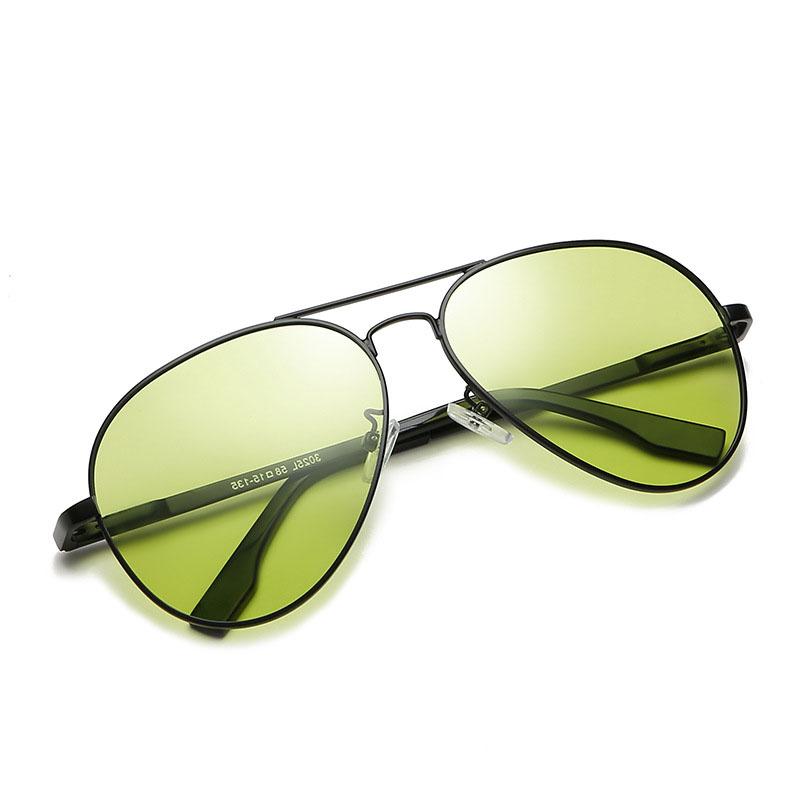 Kính chống lóa ô tô ống kính mắt bầu vàng nhạt phân cực Polarized đổi màu ( mẫu 11 )