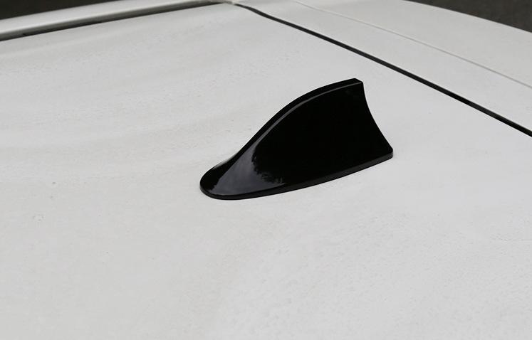 Vây cá mập trang trí ô tô